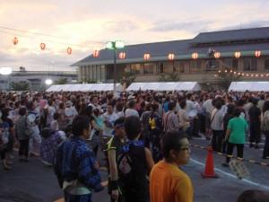 宵祭り盆踊り02
