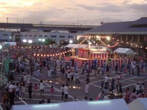 宵祭り盆踊り01