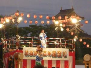 宵祭り盆踊り橋幸夫さん01